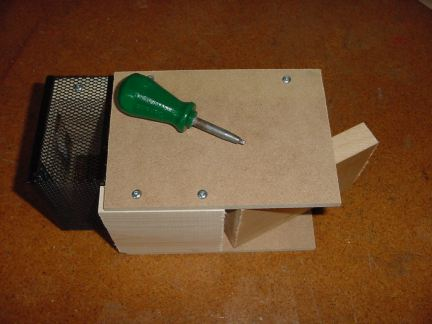 how to make a humane mouse trap
